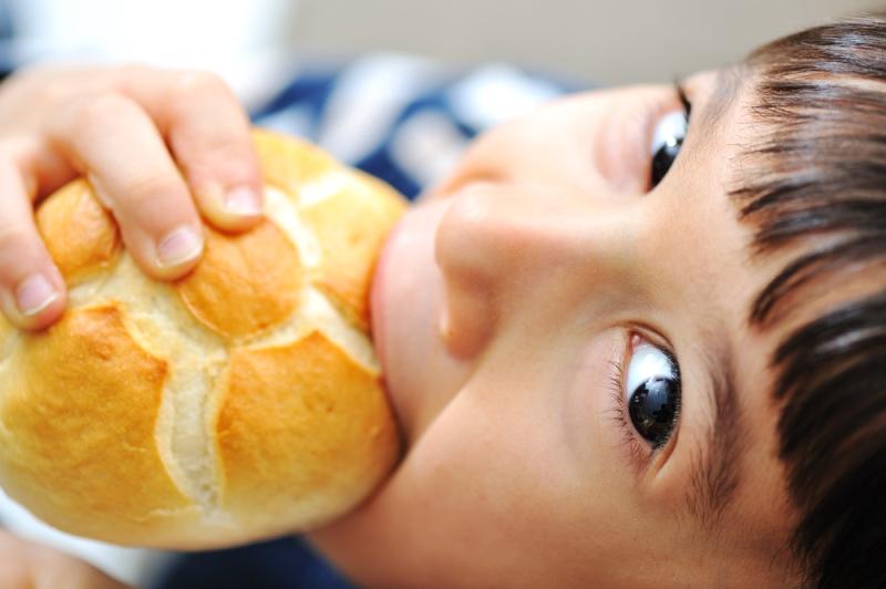 Oğlan olsun deli olsun, ekmek olsun kuru olsun